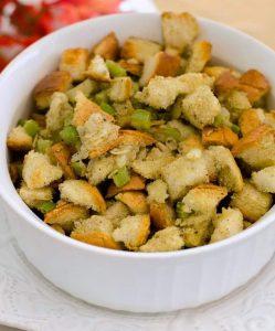Easy Thanksgiving Stuffing Recipe