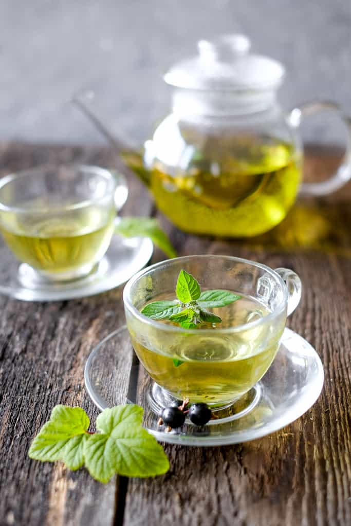 drink green tea to burn more calories and therefore lose belly fat fast