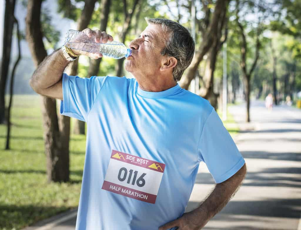 drink more water to feel full and lose weight quicker