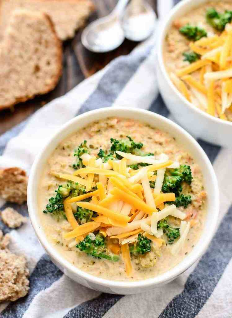 Slow Cooker Broccoli and Cheese Soup