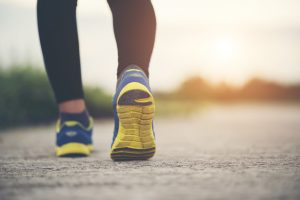 Top 11 Benefits of Walking to Lose Weight